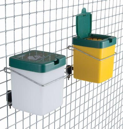 Akcesoria - Poidło kropelkowe dla królików 0,5l pojnik (1)